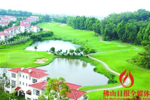 祈福南湾半岛坐拥3300亩绿茵高尔夫球场.