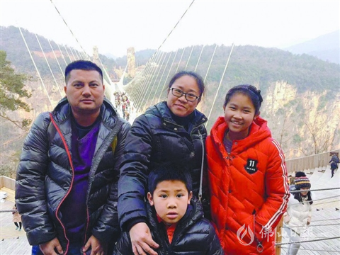谭咏红夫妻携手同行15年 婆媳相处得比亲生的还亲