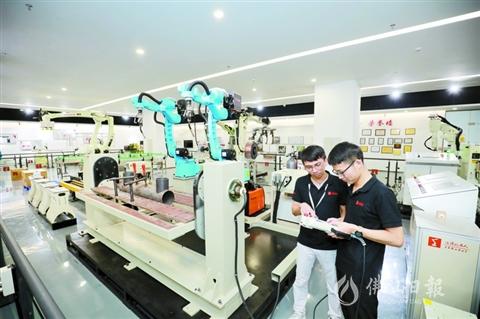 隆深机器人:抢占中小企业智能化改造市场