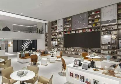 与岭南天地网红书店卡卡松堡携手合作,把售楼部打造成集文化和艺术